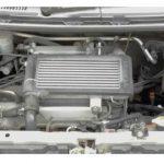 L962Sのエンジンルーム