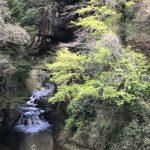 濃溝の滝(亀岩の洞窟)