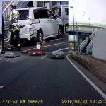 事故現場の自動車